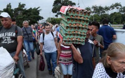 Unos 5.400 venezolanos entran en un día a Perú antes de que les exijan visa
