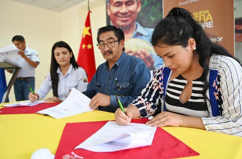 ECSA renovó apoyo a jóvenes becarios del cantón El Pangui